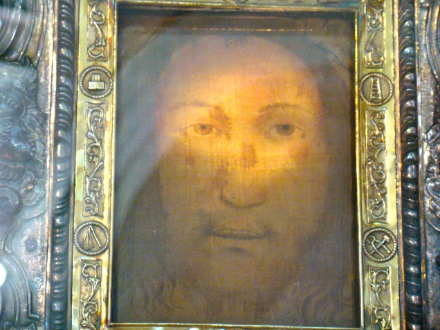 "Beautiful photo of ""Il Volto Santo"" from Pentecost by Paul Badde"
