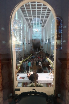 View from the empty window above the altar into the church photo: Patricia Enk